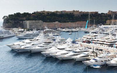 Yacht på rekke og rad